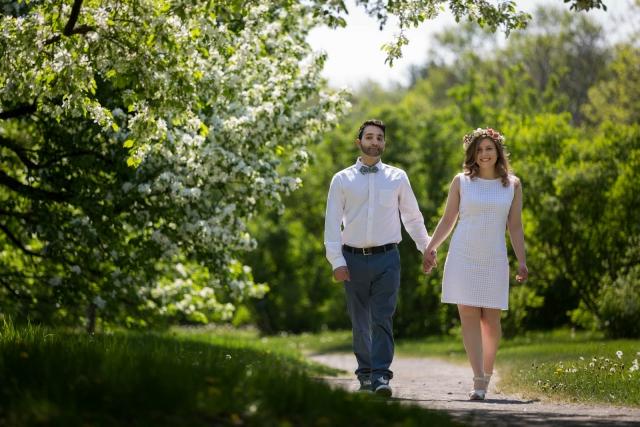 Engagement session Montreal botanical garden Espace de la vie