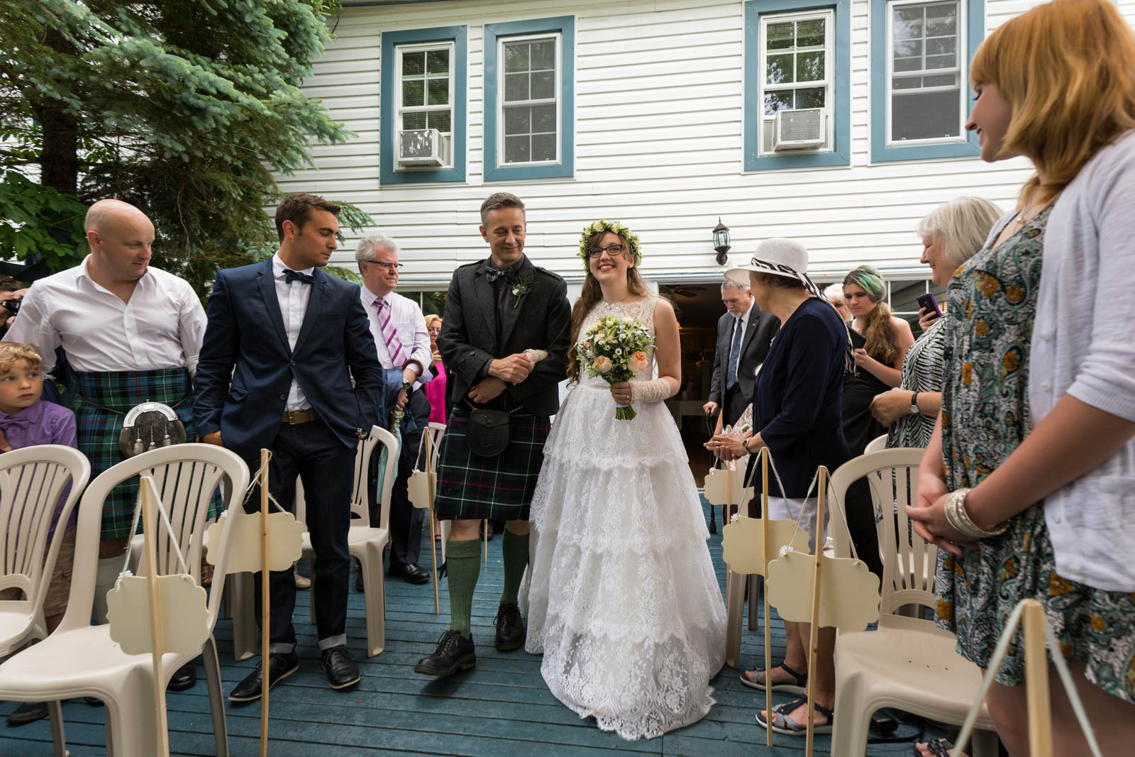 The Cove Inn wedding Westport by Pixelicious Ottawa wedding photographer