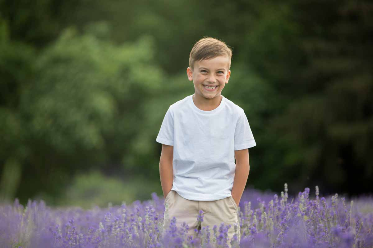 Maison Lavande family portrait session lavender fields – 005