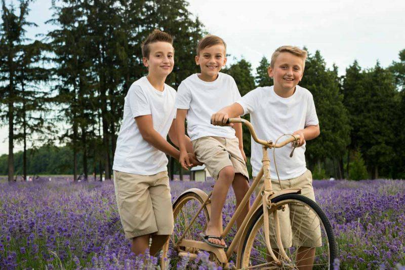 Maison Lavande Saint-Eustache Lavender family portraits