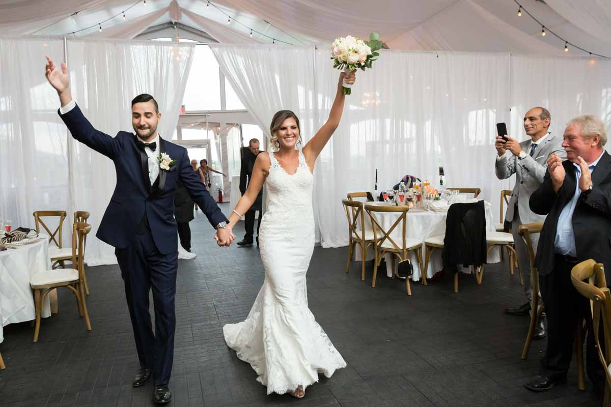 Chapiteau Le Vignoble wedding Groupe Madison Pixelicious Montreal Wedding Photographer – 032