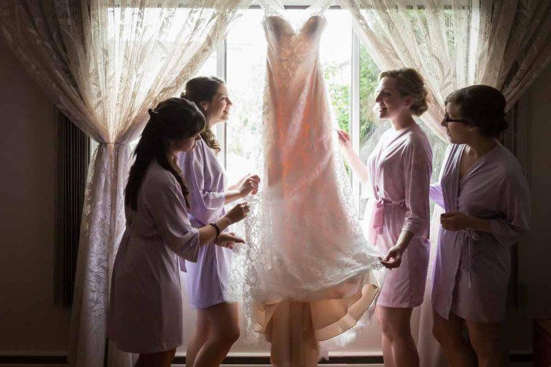 Pixelicious Erika and Simon wedding preparation with bridesmaids