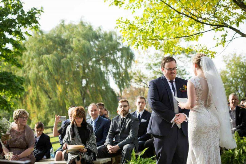 Pixelicious Erika and Simon Bergeries de l'Acadie wedding outdoor ceremony