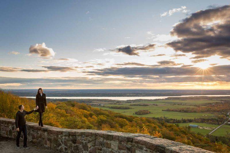 Pixelicious Gatineau Park engagement Champlain lookout summit